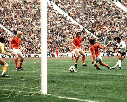 gerd-muller-germany-1974-world-cup